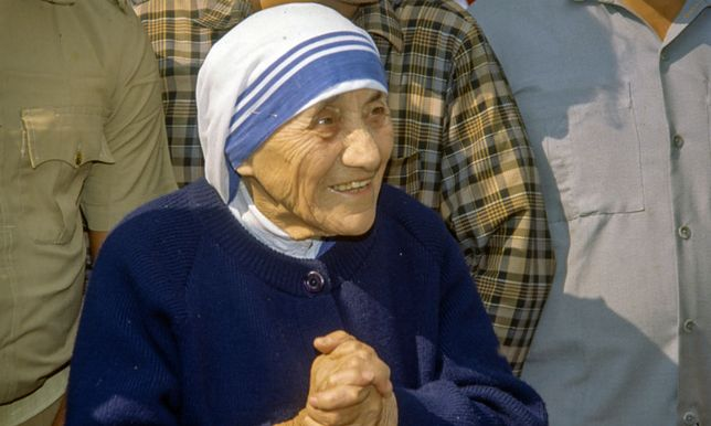 Matka Teresa z Kalkuty wciąż wzbudza kontrowersje.