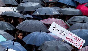 Statyści na protestach. Nieco inne spojrzenie na społeczne zrywy i manifestacje