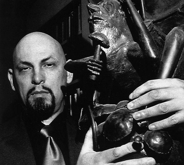 """Anton LaVey: założyciel Kościoła Szatana i """"czarny papież"""""""
