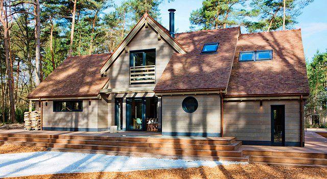 Drewniany dom jak imponująca willa