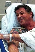 ''Niezniszczalni 2'': Schwarzenegger i Stallone wylądowali w szpitalu! [foto]