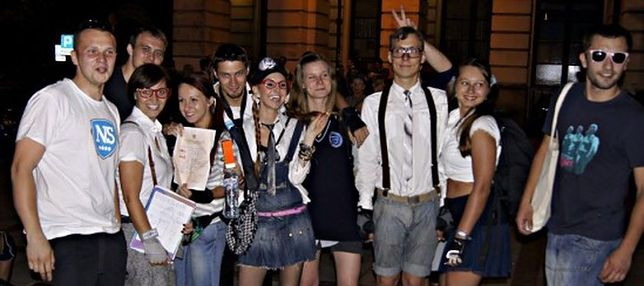 Nightskating Warszawa wraca do szkoły! Na rolkach i w mundurkach