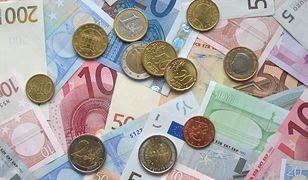 Euro w górę po ogłoszeniu wyników we Francji