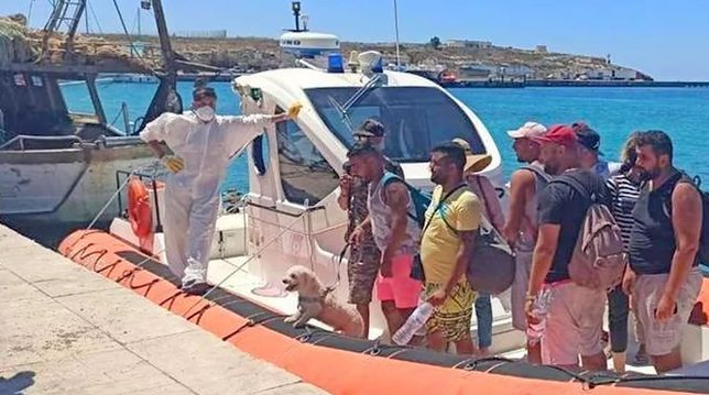Lampedusa walczy z nielegalnymi imigrantami