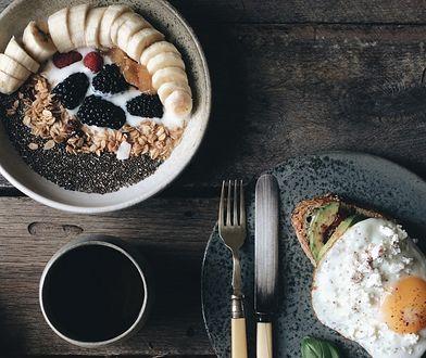 Zdrowe śniadanie na słodko i wytrawnie. Pomysły i przepisy
