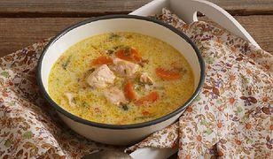 Smak Azji. Pikantna zupa kokosowa z kapustą pak choi