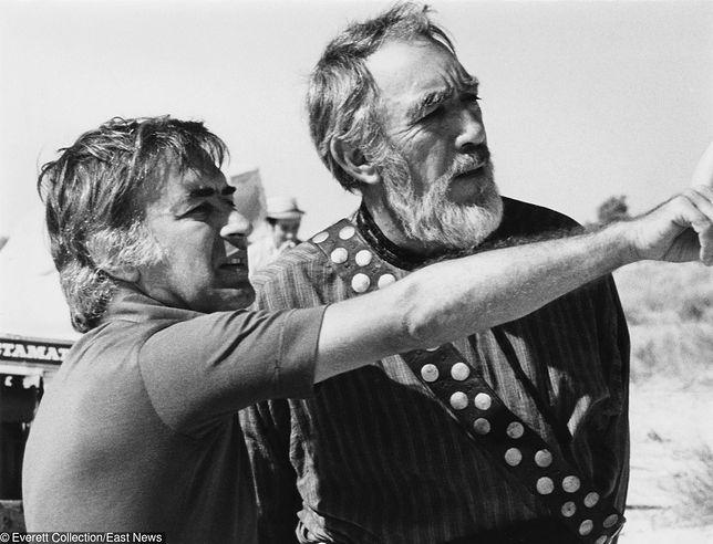"Reżyser Moustafa Akkad i Anthony Quinn na planie ""Mesjasza"", 1976"