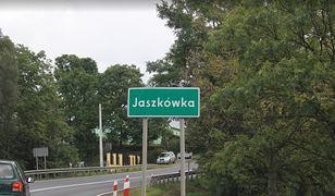 Groźny wypadek w miejscowości Jaszkówka. 3 osoby ranne