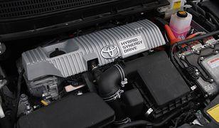 W Polsce liderem rynku jest Toyota, która ma aż 80 proc. udział w rynku samochodów hybrydowych.