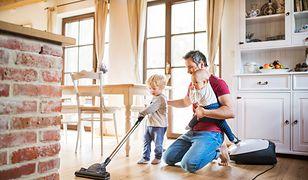 Jaki odkurzacz wybrać, kiedy dom przejmują dzieci? Podpowiadamy!
