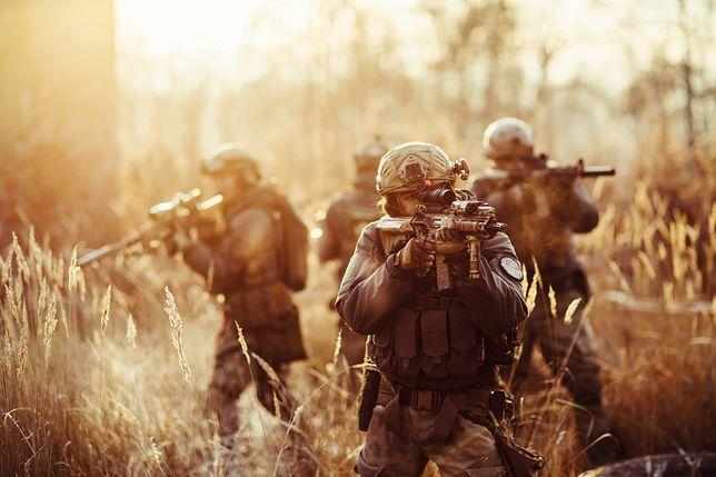 Zrobili z topowej jednostki wojskowej prywatny folwark. Wszystko zaczęło się od nowego szefa