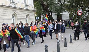 Warszawa. Protest studentów przed gmachem UW