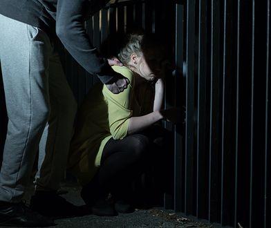 18-latek zmuszał małoletnią do seksu