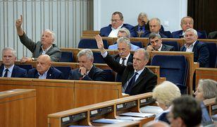 Senat przyjął nowelizacje ustaw o sądach i KRS