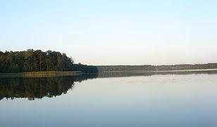 Wędkarz wpadł do Jeziora Gielądzkiego. Wyłowiono jego ciało