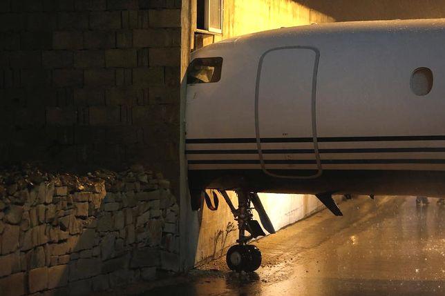 Incydent na Malcie. Samolot wbił się w ścianę budynku