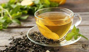 Zielona herbata i miód - dwa składniki, które pokonają trądzik.