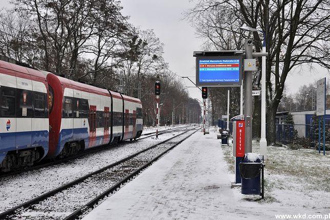 Nie wiesz kiedy przyjedzie pociąg WKD? Teraz sprawdzisz to na nowych tablicach informacyjnych