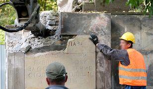 Pomnik Wdzięczności Żołnierzom Armii Radzieckiej znika. Protest MSZ Rosji