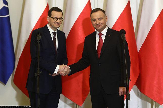 Sondaż. Polacy najbardziej ufają Andrzejowi Dudzie i Mateuszowi Morawieckiemu