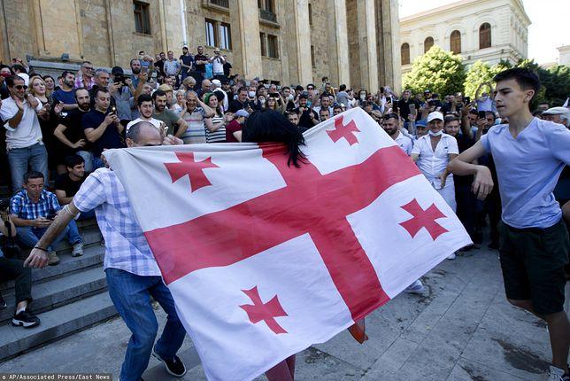 Gruzja. Polak raniony przez nożownika w Tbilisi