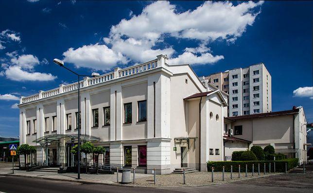 Śląskie. Dotychczasowa dyrektorka Teatru Zagłębia w Sosnowcu Iwona Woźniak będzie pracowała na tym stanowisku przez 5 kolejnych sezonów.