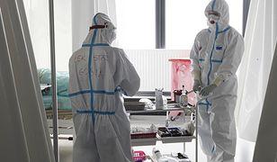 """Koronawirus w Polsce. Fizjoterapeutka o pracy w szpitalu tymczasowym. """"Matrix"""""""