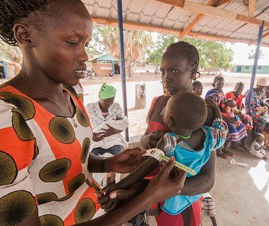 Matki z dziećmi w Centrum Dożywania w Gordhim w Sudanie Południowym