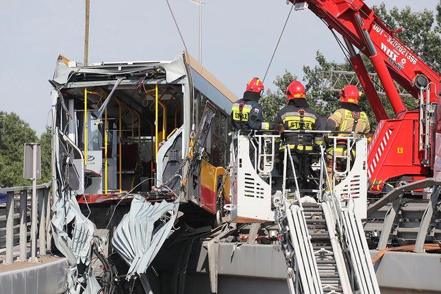 Warszawa. Wypadek autobusu na S8. Świadkowie opisują przebieg zdarzenia