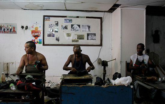 Na Kubie zwolnią ok. pół miliona pracowników