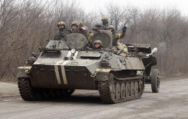 Petro Poroszenko: Ukraina wycofała ciężki sprzęt
