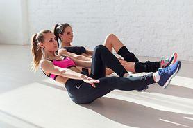 Brzuch z Mel B - anatomia mięśni brzucha, plan treningu