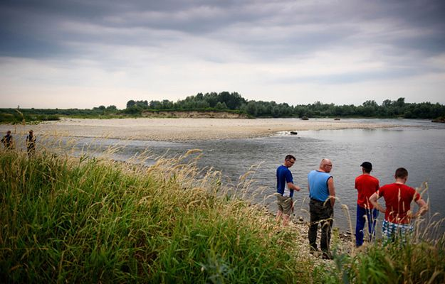 Akcję poszukiwawczą utrudniał silny nurt Dunajca