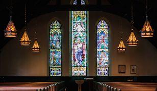 Odmrażanie gospodarki. Zmiany w kościołach i organizacji pogrzebów i wesel