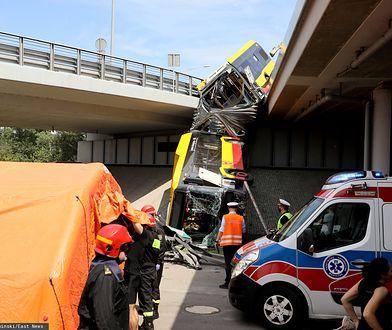 Warszawa. Wypadek autobusu miejskiego na trasie S8