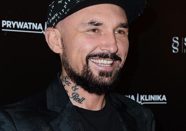 """Patryk Vega na premierze spektaklu """"Prywatna Klinika"""""""