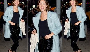 LOOK OF THE DAY: Alexa Chung w spodniach Saint Laurent