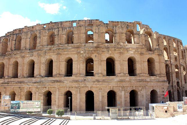 """Amfiteatr w Al-Dżamm. Poznaj afrykańskie """"Koloseum"""""""