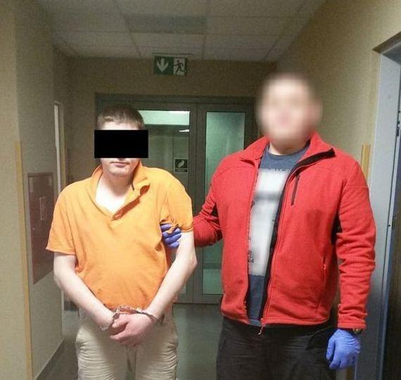70-latek dostał cios nożem w brzuch, bo zwrócił uwagę mężczyźnie, żeby nie pił piwa