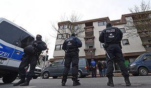 Trwa dochodzenie przeciwko skrajnie prawicowym policjantom
