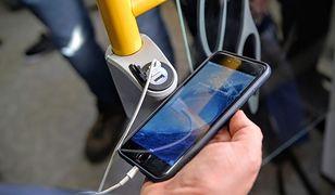 Od teraz w warszawskiej SKM naładujesz tablet oraz telefon