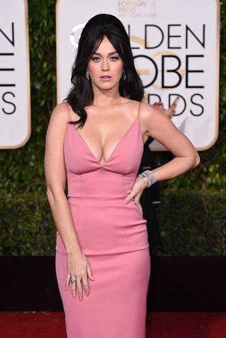 Katy Perry na rozdaniu Złotych Globów w wyzywającej kreacji
