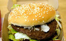 McDonald's zwalnia za plasterek sera