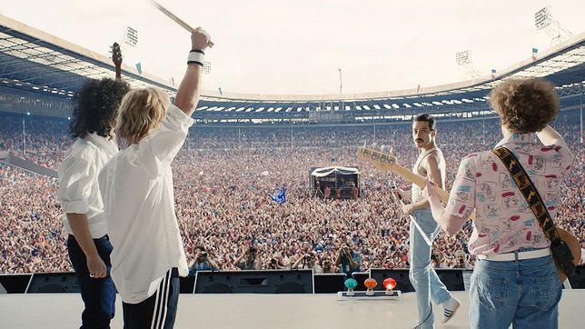Rami Malek w scenie z koncertu Live Aid