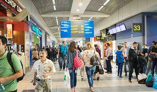 Lotnisko w Bombaju uziemił jeden telefon