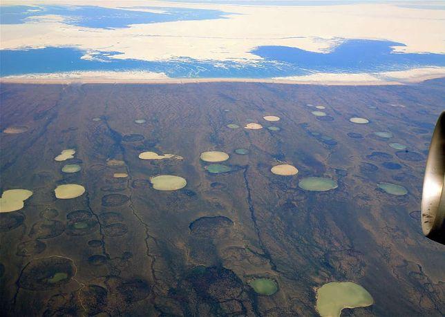 Setki dziwnych kraterów na Syberii. Powstają przez niepokojące zjawisko
