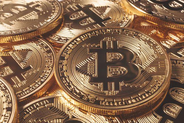 Bitcoin z ogromnymi spadkami. Kryptowaluta tańsza o 1000 dolarów