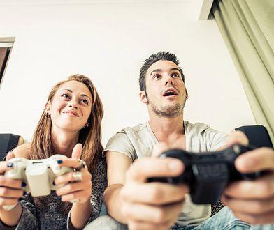 Konsola to domowe centrum rozrywki, które służy nie tylko do grania