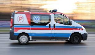 Warszawa. Dziecko w wieku 4 lat wypadło z okna na czwartym piętrze