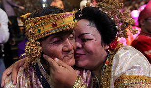 Tysiące par wzięło ślub w jednej chwili